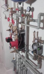 Elementy hydrauliczne w kotłowni 40